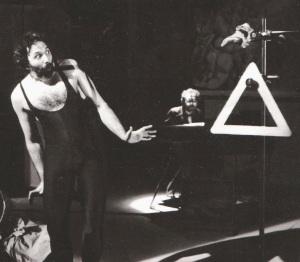 Alessandro Pultrone e l'identità sociale Claudio Rovagna al pianoforte