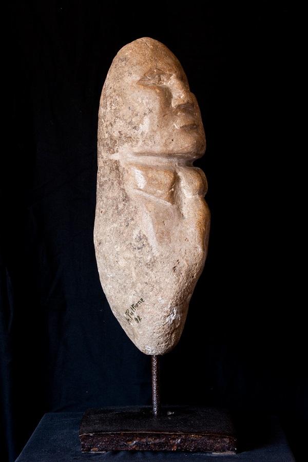 L'ETERNO QUOTIDIANO  scultura in pietra di Alessandro Pultrone 1992